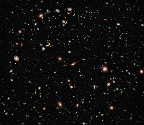 El campo profundo de galaxias vista por la misión Hubble. NASA.